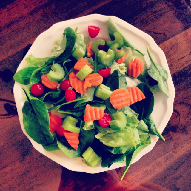 My salad: carrots, spinach, iceberg, tomatoes, celery!